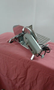 SMALL DOMESTIC ELECTRIC FOOD SLICER