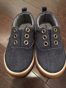 Size 6 Joe Fresh Sneakers