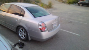2005 Nissan Altima 2.5s extra for sale.