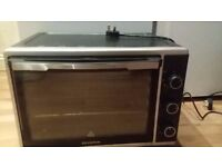 Large 42 Litre, Severin Fan Assisted, Counter, Convection Oven, 1800 Watt, Black/ Silver
