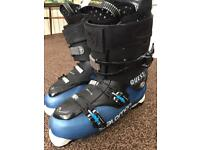 Men's Solomon Quest access 90 Ski Boots mondo 30/31, U.K. Size 12 + Boot bag
