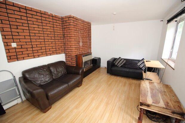 3 bedroom house in HUNTS ClOSE Hunts Close, Luton, LU1