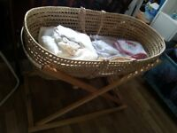 Moses basket with fitted sheets
