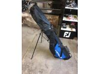 Dunlop sport carry bag in great condition with rain cover and carry strap