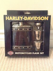 Authentic Harley Davidson Flask Set BRAND NEW
