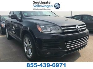 2014 Volkswagen Touareg Execline | Leather | Panoramic Sunroof