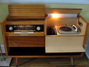 GERMAN TUBE CONSOLE RADIO DUAL RECORD PLAYER CHANGER TUBE AMP