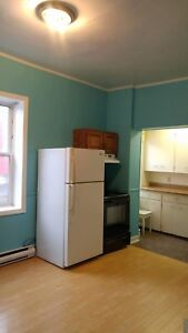4 bedroom apartment (north and Windsor street)Halifax  1450.00