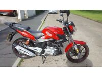 Lexmoto ZSX 125cc Sports Learner legal 125 Motorcycle scooter. Immaculate Condition Delivery POSS