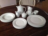 Le Vrai gourmet dinner and tea set