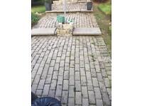 Lock block for slabs