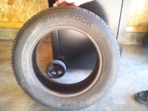 4 pneus d'hiver.