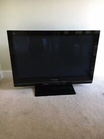 "Panasonic Veira 37"" HD TV TH-37PX80B screen in mint condition ( no remote but can be bought on ebay"