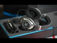 Sennheiser HD 700 Around Ear Open Back HiFi Headphones