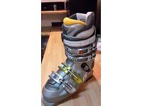 2 pairs ski-boots and ski,s..(dynastar max 3,s)