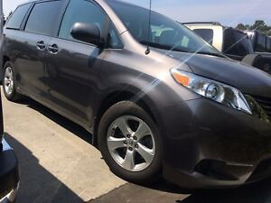 2013 Toyota Sienna LE 8 Passenger LOCAL, LOW KM'S