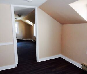 2 Rooms Available Downtown Students Apartment 2 Bedroom