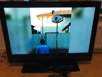 """LG TV 40"""" With Freeview in Mint Condition"""