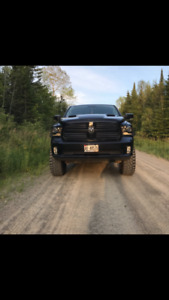 lifted 2017 dodge sport 1500. .$14000 in after market parts !