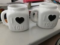 NEW Set of 2 Ceramic Colour Changing Mugs