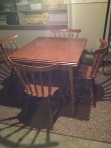 Roxton Maple table and four chairs