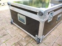 USED ENCORE LARGE FLIGHT CASE - HOLLYWOOD CALIFORNIA - TROLLEY AND WHEELS - USED BUT GOOD CONDITION