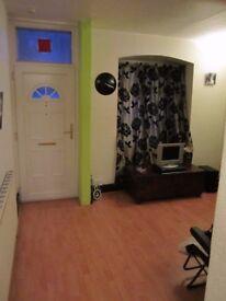 2+1 Bedroom Mid Terraced House in RG1 Area