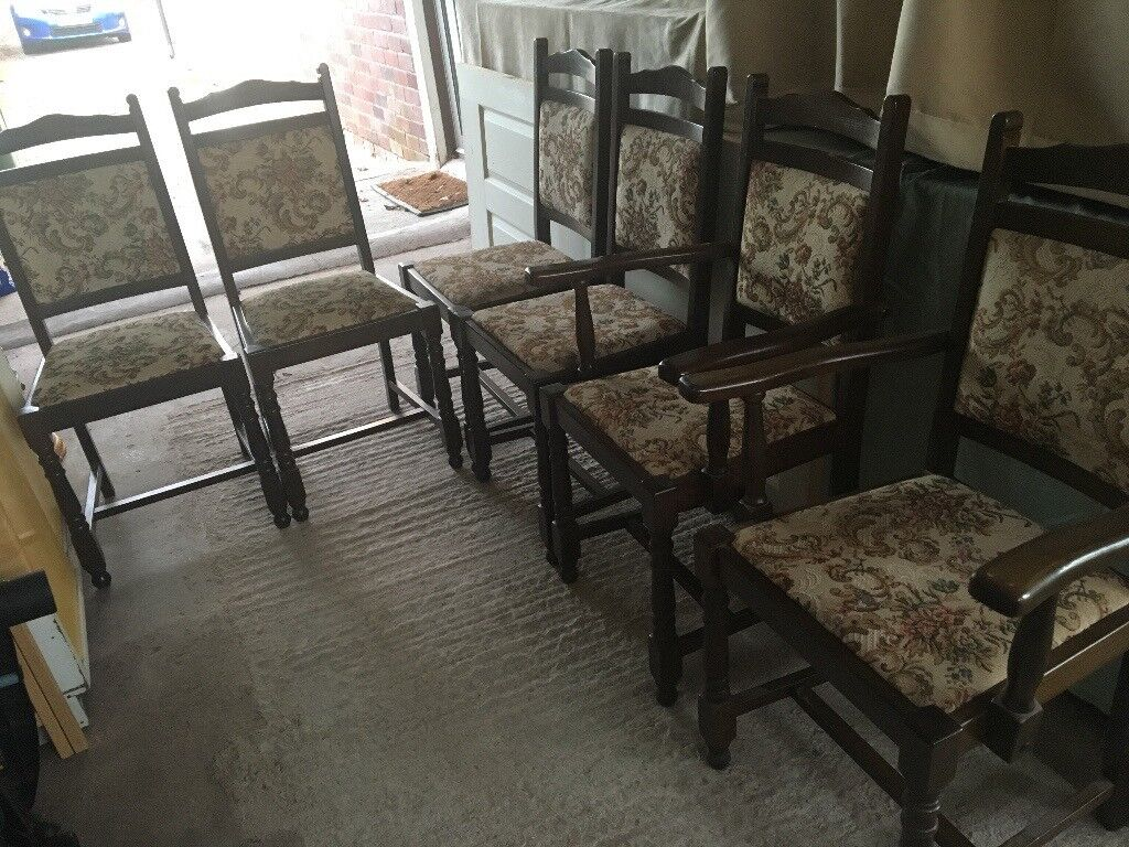 Dining chairs 42 carvers. Very good qualityin Hereford, HerefordshireGumtree - Dining Chairs excellent quality. Solid well made furniture. 4 Chairs and 2 Carvers. Selling Matching Oval Dining table separately (seats 6 8)