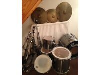 Pearl Export drum kit silver