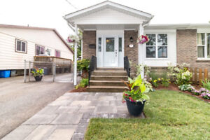 << NORTH END - Renovated 5 Bedroom Home >>