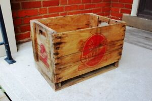Vintage Snell's Beverage wooden crate Chatham, Ontario