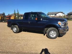 13 Ford F250 XLT Clean truck Financing Warranty & Certified