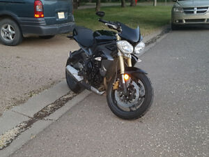2014 Street Triple *BEST PRICE YOU'LL FIND*