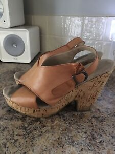 Woman's leather sandals (10.5)