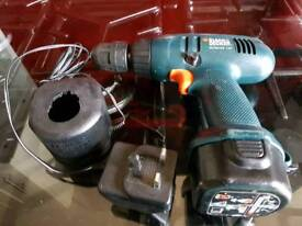 BLACK AND DECKER CORDLESS DRILL 7.2V