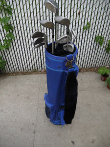 Wilson bag and Dunlop drivers and irons