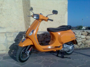 2011 vespa s50 275 original kms like new