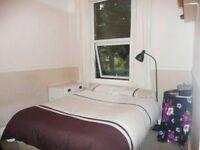 3 Bedroom House - Elfrida Crescent - SE6 (Part DSS Accepted)