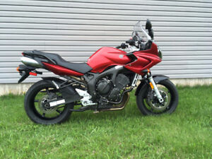 FZ6, low kms, excellent condition