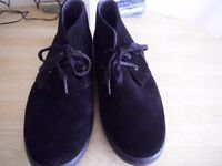 PAIR OF MEN'S FRED PERRY SUEDE ANKLE BOOTS. SIZE 10. EX. CON.