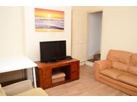 Two Bedroom Flat, Green Street, £1300pcm, DSS accepted