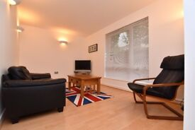 Fully Furnished modern, beautiful, newly refurbished 2 Bedroom Flat near Kings Cross Station Zone 1