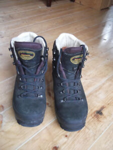 MEINDL Hiking/Backpacking Boots - Woman