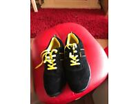 Trade safe steel toe cap trainer type size 8