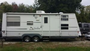 2005 Starcraft Aruba 26' with pull out (Quad Bunk)