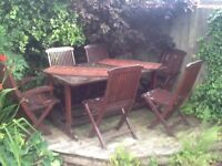 Garden dinning table and 6 chairs