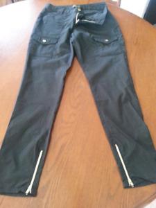 Pantalon noir marque Jaanuu