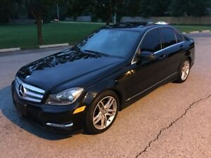 2012 Mercedes-Benz C250 4MATIC  SPORT PKG SUNROOF NO ACCIDENTS B