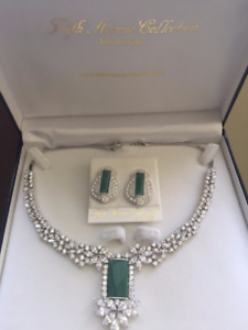 BRAND NEW - FIFTH AVENUE COLLECTION EARRING AND NECKLACE SET