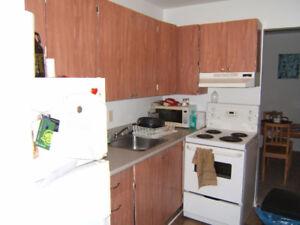 Beautiful 2 Bedroom Very Spacious & Freshly Painted